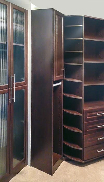 Closet organization system in Cocoa TFL with 360 Organizer and Reeded Glass Doors