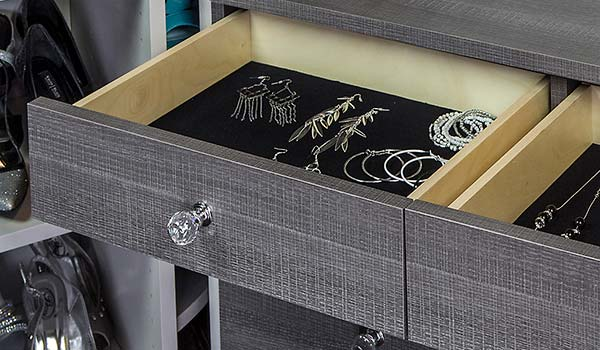 Flat velvet insert for lining drawers storing jewelry