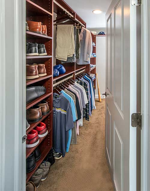 Closet with shoe tower