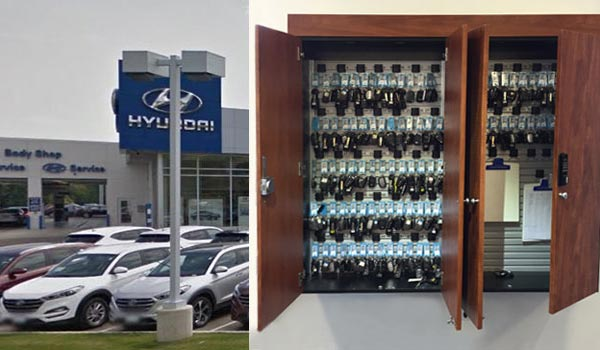 Locking car key box with key hangers or car dealership