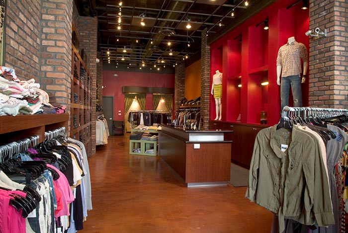 Display systems for a Chicago retail clothing business