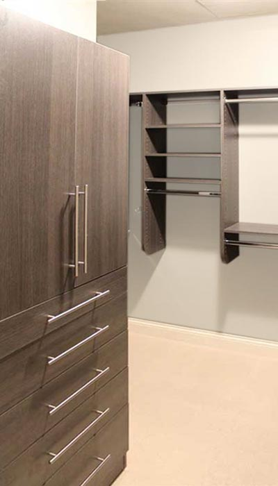 Wall Unit for master closet in Aria thermally fused laminate - TFL