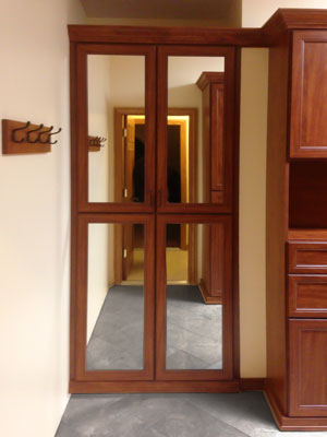 corretto cherry walk-in closet mirrored doors