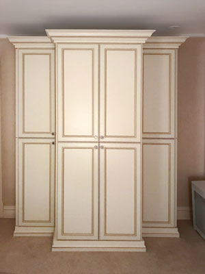 traditional style bedroom armoire
