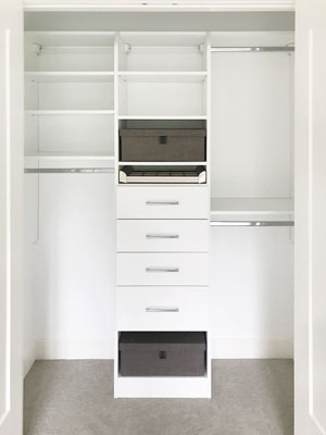 reach-in closet with engage accessories