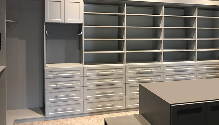 custom walk in closet drawer and door fronts in regal