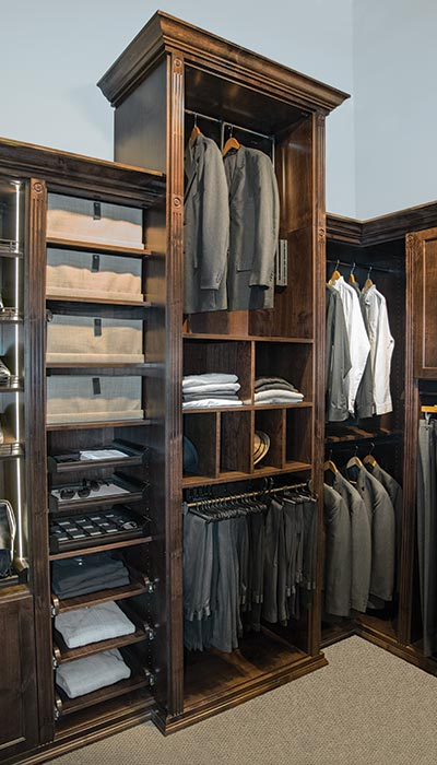 Closet tower with pull-down closet rod for 12 foot ceilings