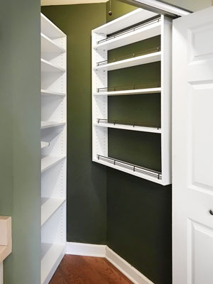 custom spice rack built with shoe fences