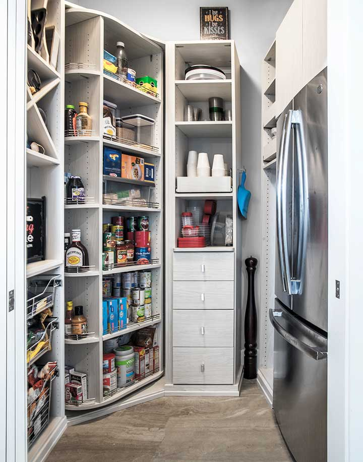 Walk-in pantry with dry and cold storage