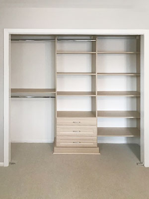 reach in closet for office in summer breeze