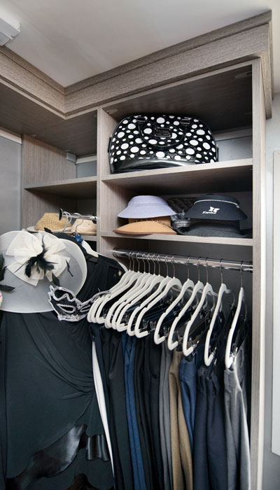 her side corner storage and shelving