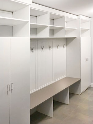 mudroom with high gloss bench seat