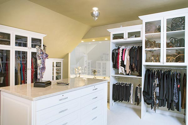 Dressing room closet off master bathroom