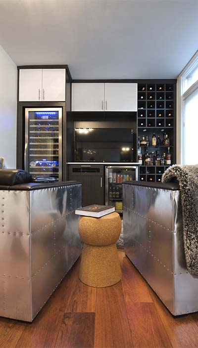 combines reading nook with wine tasting room