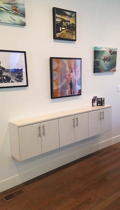 Floating credenza/wall unit in Diva thermally fused laminate - TFL