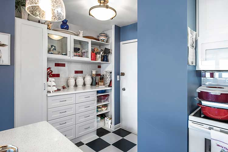 Blue kitchen shows Color trends 2020 for interior design