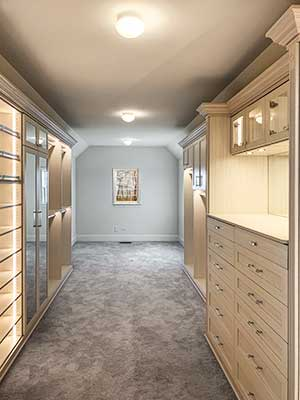 Walk-in closet with led closet lighting system