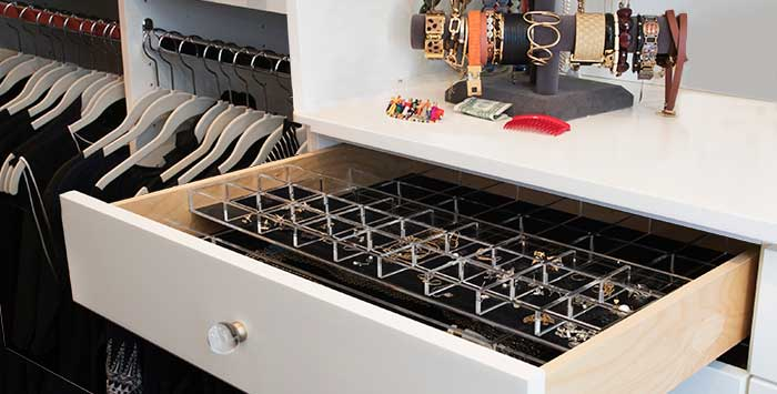 Reach-in closet ideas: jewelry drawer