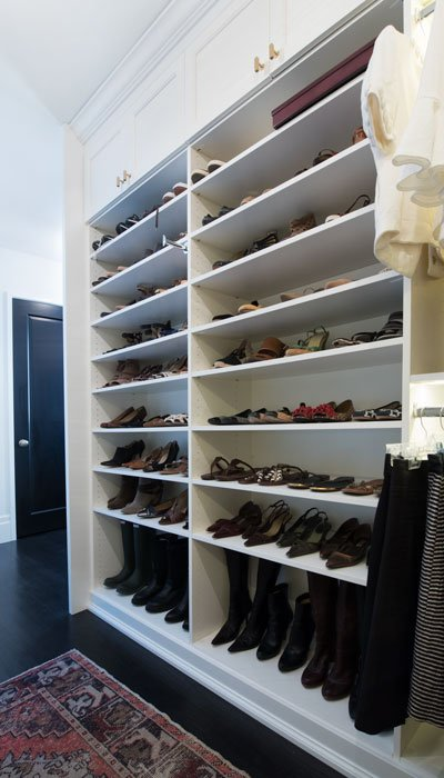 Walk In Closet Design With Closet Penninsula