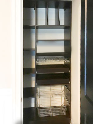 pantry with accessories and pull-outs