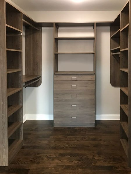 walk in closet with standard hardware