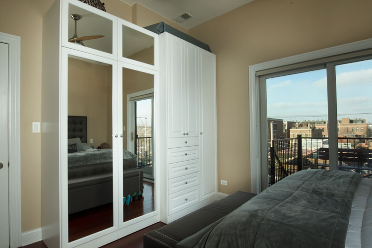 Custom Luxurious Bedroom Wardrobe Closet With Mirror Cabinet Doors