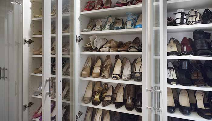glass cabinets for shoes open