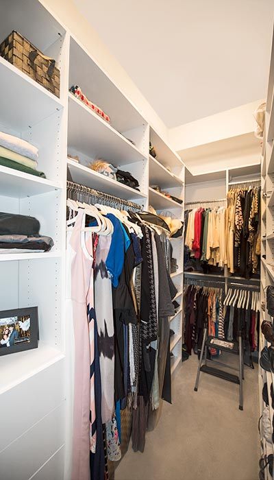 Custom closet design for long and narrow space