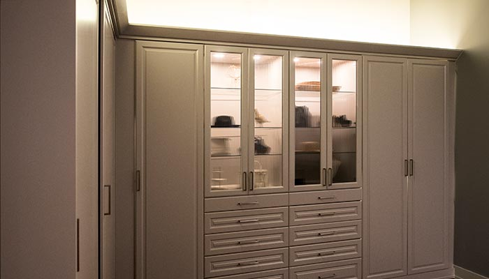 Wardrobe system wall closet units system with custom LED lighting system