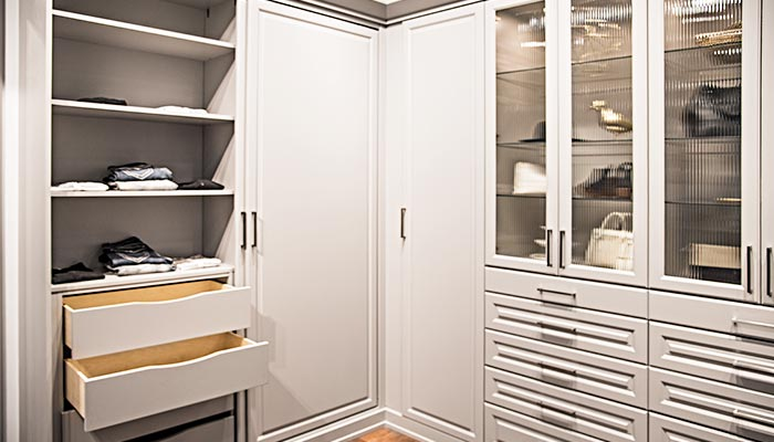 Wardrobe system wall closet units system with closet organization accessories adds functionality