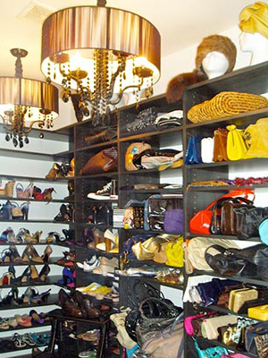 Custom closet organization system for shoes and purses