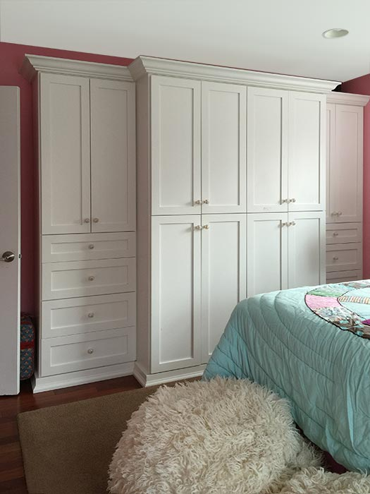 Bedroom Wardrobe Closet with Built In Cabinets Solves Storage Problems
