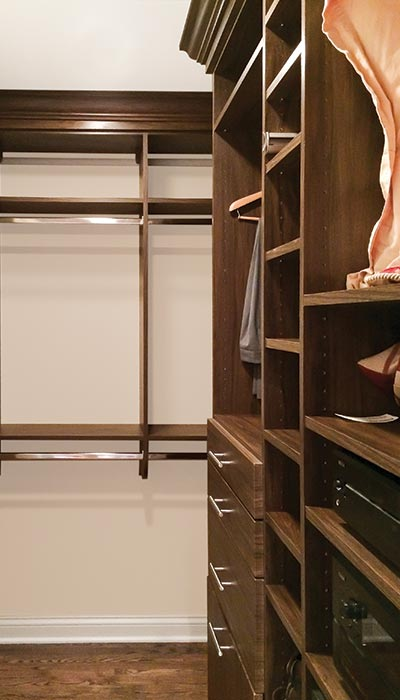 Walk-in closet system in Chalbi Clay thermally fused laminate - TFL