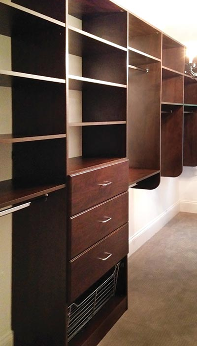 Walk-in closet system in Cocoa thermally fused laminate - TFL