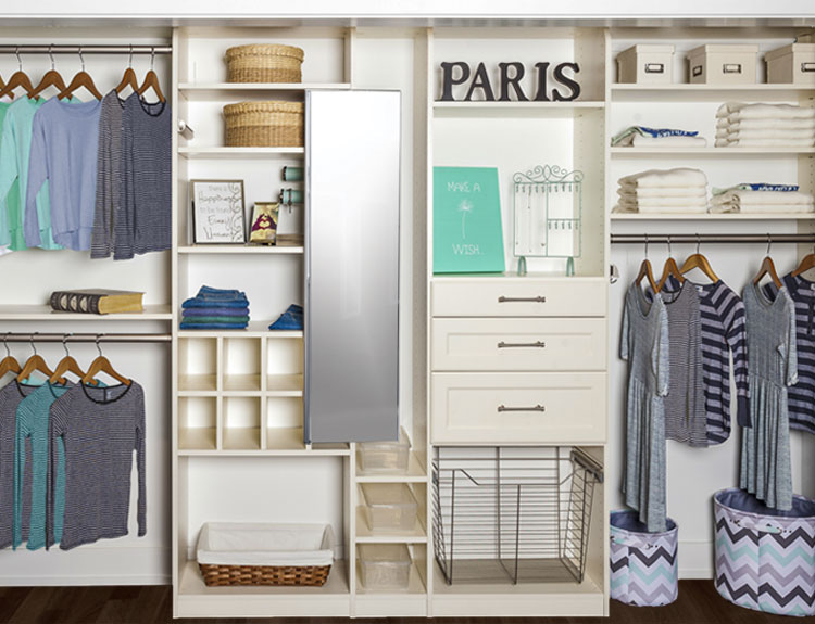 reach-in kids closet to maximize space for a tween