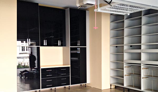 Chicago Garages Storage System In High Tech, High Gloss Finish