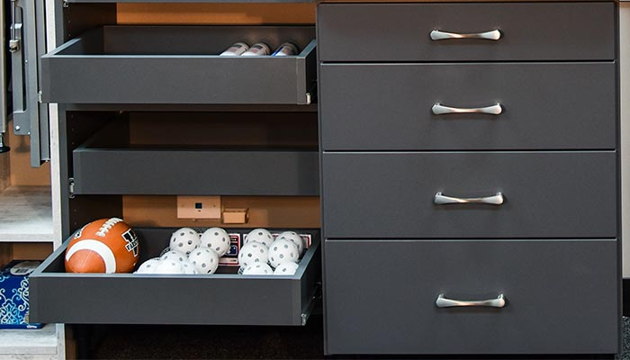 pull-out shelves to organize smaller items
