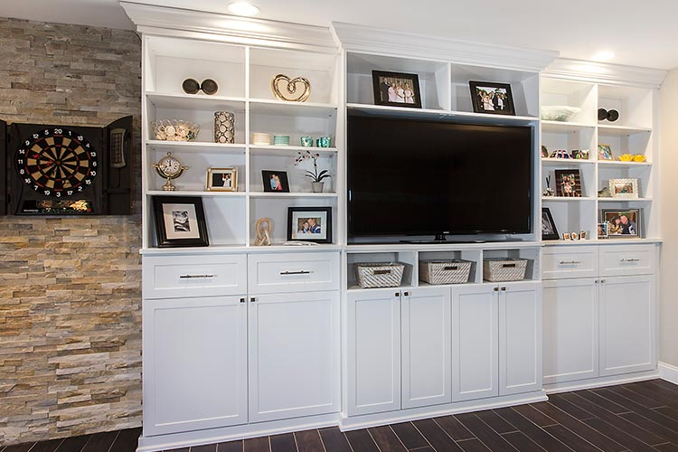 Media Center And Entertainment Wall Unit With Crown Base Moulding In White