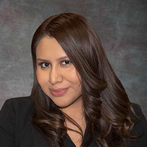 Lincoln Park Clybourn Avenue Showroom Sales Consultant Daisy Valladares of Closet Works