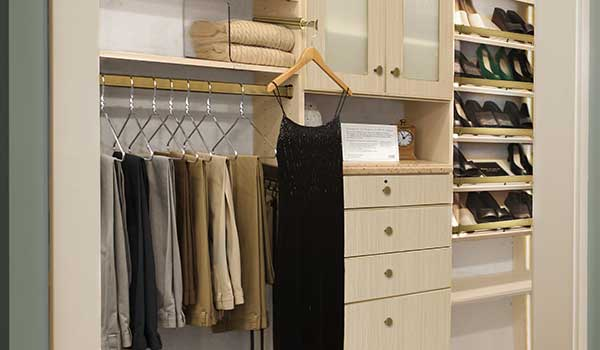 Luxurious Reach-In Closet in Ivory