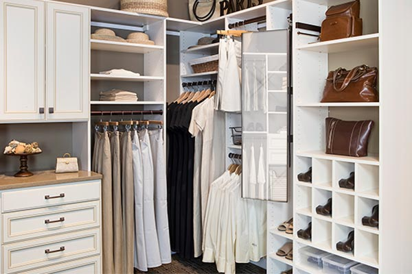 Pull Out Mirror Adds Functionality To Custom Closet Design ...