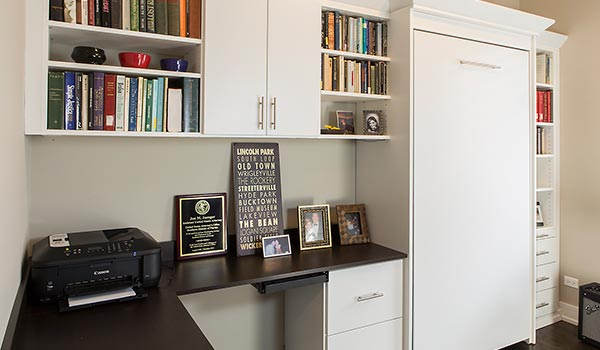 Murphy Bed Turns Office Into A Bedroom For Chicago Homeowner