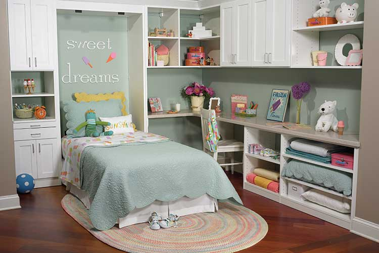 7 Inspiring Kid Room Color Options For Your Little Ones: Child Bedroom Uses Twin Size Murphy Bed For Sleepovers